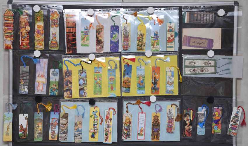 Bookmarks - a collection (42 items)